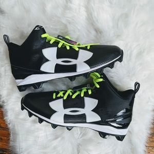 NEW Under Armour Mid Top Mens Football Cleats